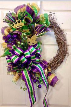 Grapevine Mardi Gras Wreath by WilliamsFloral on Etsy Mardi Gras Wreath, Mardi Gras Decorations, Mardi Gras Beads, Mardi Gras Party, Holiday Wreaths, Holiday Crafts, Holiday Fun, Winter Wreaths, Holiday Decor
