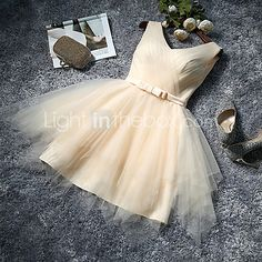 Knee-length Tulle Bridesmaid Dress-Ruby / Lilac / Pearl Pink / Champagne / Silver / Sky Blue A-line V-neck - USD $49.99