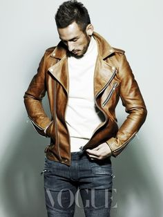 Punch up your t-shirt/jeans look with a leather jacket.