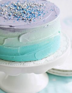 Video tutorial for this Easter Pastel Swirl Cake at. Isn't that ombre stunning?