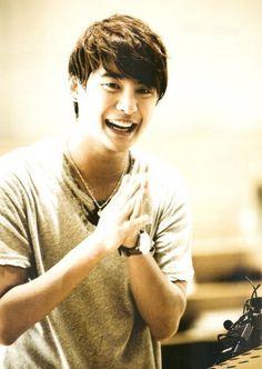 Xiah Junsu!!! <3 <3 that adorable smile!