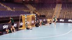 """EHF-Cup Final4: Iker Romeros linker """"Messi-Fuß"""". Füchse Berlin beim Training"""