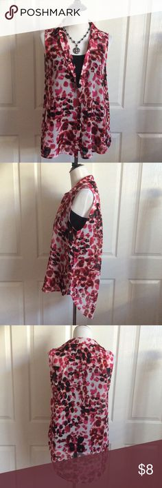 "Sheer Flowy Floral Print High-Low Blouse Sheer floral print sleeveless blouse that buttons down the front. Great condition. Pictured with a black tank underneath (not included). Poly fabric. 22""B (when buttoned), 25""Front, 30""Back. Labeled size 14 but could fit M/L. H&M Tops Blouses"
