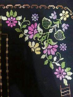 Cross Stitch Borders, Simple Cross Stitch, Cross Stitch Flowers, Cross Stitch Designs, Cross Stitching, Cross Stitch Patterns, Embroidery Applique, Embroidery Designs, Kutch Work Designs
