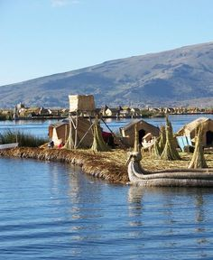 The floating islands on Lake Titicaca in #Peru. Discover the most amazing attractions and things to see in Peru! Click to read the full #travel article ...
