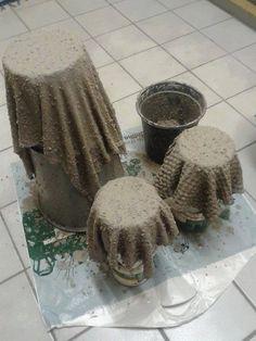 bloembakken maken van oude doeken en cement