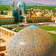 Sheikh Lotfollah Mosque is one of the architectural masterpieces of Persian architecture | surfingpersia.com