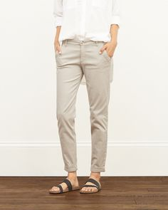 Classic A&F Chinos with a slim fit throughout, subtle stretch, front pockets, button and zipper closure, Imported<br><br>98% cotton / 2% spandex