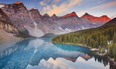 Moraine Lake at sunr