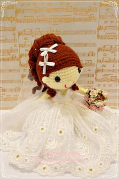 Love Julie Teo's amigurumi wedding dolls
