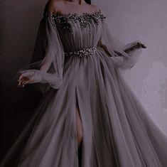 Pretty Prom Dresses, Elegant Dresses, Pretty Outfits, Cute Dresses, Beautiful Dresses, Royal Dresses, Ball Dresses, Ball Gowns, Kleidung Design