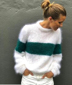 Fluffy stripes 🖤 by Pull Crochet, Knit Crochet, Sweater Knitting Patterns, Free Knitting, Gros Pull Mohair, Mohair Sweater, Knit Fashion, Mode Outfits, Sweater Weather