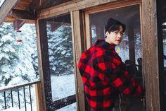 Behind the scene of Henry shooting the Hey Bro MV Henry Lau, Hey Bro, Asian Celebrities, Super Junior, Boyfriend Material, Korean Singer, Kdrama, Rapper, Photoshoot