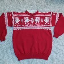 Bilderesultat for liverpool genser oppskrift Minion Baby, Liverpool Fc, Knitting Needles, Knit Crochet, Photo And Video, Sweaters, Kids, Crafts, Clothes