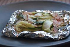 Saumon en papillotes de tagliatelles de courgettes Calories, Voici, Mousse, Tacos, Mexican, Ethnic Recipes, Food, Easy Cooking, Eating Clean