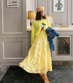 Korea Street Style, Lace Skirt, Skirts, Fashion, Moda, Fashion Styles, Skirt, Fashion Illustrations
