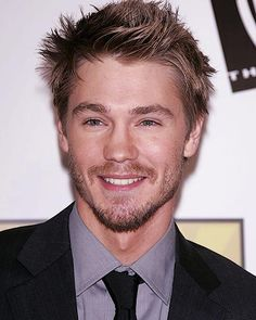 Image uploaded by Luca. Find images and videos about lucas scott, chad michael murray and Chad on We Heart It - the app to get lost in what you love. Celebrity Travel, Celebrity Crush, Brooke And Lucas, Lucas Scott, Chad Micheals, Beau Mirchoff, Chad Michael Murray, Attractive People, Pretty People