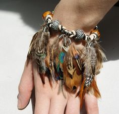 Tribal Pheasant Feather,Leather Bracelet with Boho Glass Beads - Jewelry Hippie Chic, Mode Hippie, Boho Chic, Boho Gypsy, Gypsy Style, Hippie Style, Hippie Bohemian, Bohemian Summer, Feather Jewelry