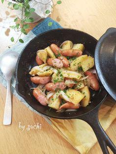 スキレットで!ガーリックジャーマンポテト by sachi825 [クックパッド] 簡単おいしいみんなのレシピが248万品