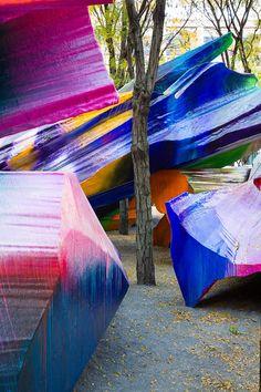 Art: Katharina Grosse's eye-popping installation takes over Brooklyn park