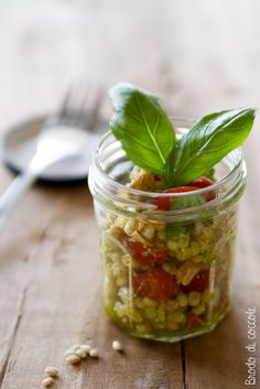 Barley salad with tuna, cherry tomatoes and basil