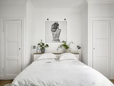 35 all-white room ideas. Discover photos of living rooms, bedrooms, kitchens, and bathrooms decorated in all white decor. Find monochrome white rooms that will inspire your own decor. All White Bedroom, White Bedroom Furniture, White Rooms, Home Bedroom, Swedish Bedroom, Scandi Bedroom, Bedroom Closets, Decoration Bedroom, Bedroom Plants