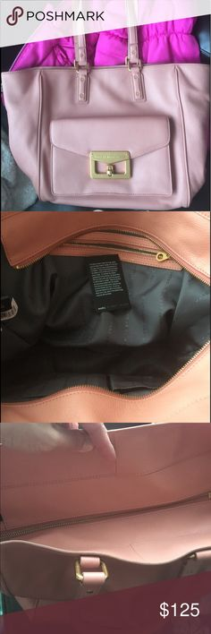 Marc Jacobs Blush leather bag Like new. Dusty rose color. Bianca hayley tote. All genuine soft supple leather. Zip close. Gold hardware pocket on the outside. Color most like the second and third pics shown. Ask questions or make offer ! Marc by Marc Jacobs Bags Shoulder Bags