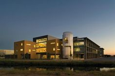 The Social Sciences and Management building, Merced, CA. Architect: Studios Archiecture
