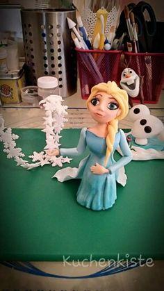 #elsa #frozen #eiskönigin #disney #caketopper #fondant #cakedesign #handmade