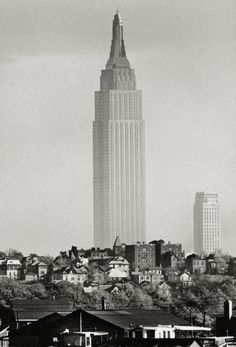 Empire State building, 1941, a bit lonely at that time...