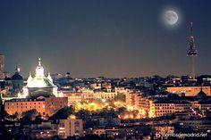 ¿Existe alguna ciudad con más magia?  © www.barriosdemadrid.net #Madrid #Fotografía