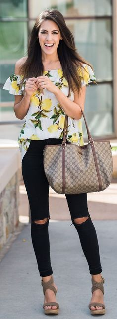 refined spring outfits / White Flower Printed Off Shoulder Blouse / Black Ripped Skinny Jeans / Grey Sandals Spring Fashion 2017, Winter Fashion, Ripped Skinny Jeans, Grey Sandals, Blouse Designs, Latest Fashion Trends, Spring Outfits, Cute Outfits, My Style