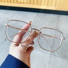 Glasses Outfit, Cute Glasses, Glasses Frames Trendy, Glasses Trends, Diamond Face Shape, Optical Eyewear, Fashion Vocabulary, Fashion Eyewear, Instagram Quotes