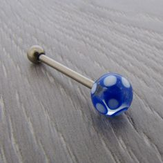 Piercing Langue Titane bille en Verre translucide multi-points https://piercing-pure.fr/p/583-piercing-langue-titane-bille-en-verre-translucide-multi-points.html #piercing #piercinglangue #piercingtongue #piercingtitane #bleu #piercingaddict