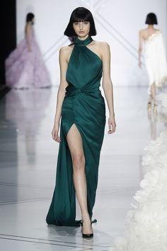Elegant emerald at Ralph & Russo Runway - Paris Fashion Week, Haute Couture Fall/Winter 2016-2017
