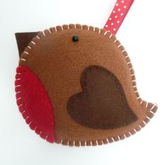 Another felt ornament, should have a board for felt ornaments :-) Christmas Projects, Felt Crafts, Holiday Crafts, Fabric Crafts, Felt Diy, Christmas Sewing, Handmade Christmas, Christmas Crafts, Felt Christmas Decorations