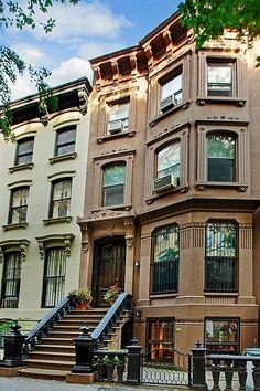 South Elliott Place Brooklyn brownstone, New York Brownstone Homes, New York Brownstone, Brooklyn Brownstone, Brooklyn Nyc, Beautiful Homes, Beautiful Places, Second Empire, Concrete Jungle, City Living
