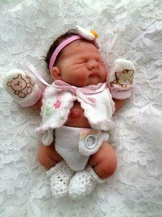 Ooak Mini Newborn Art Baby Doll by *Bttrfly Creations Bb Reborn, Reborn Toddler Dolls, Newborn Baby Dolls, Reborn Dolls, Baby Dolls For Sale, Life Like Baby Dolls, Reborn Babies For Sale, Silicone Baby Dolls, Silicone Reborn Babies