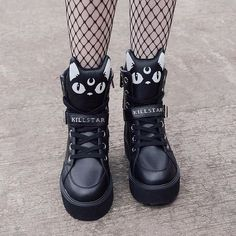 Keiko Kitty High Tops [B] - Pastel Goth ♡ Pastel Grunge - Schuhe Emo Outfits, Teen Fashion Outfits, Fashion Shoes, Cute Outfits, Sneakers Fashion, Grunge Outfits, Shoes Sneakers, Latex Fashion, Kawaii Shoes