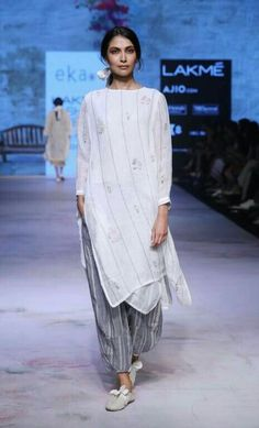 Eka by rina singh - lakme fashion week - sr 17 - 20 in 2019 India Fashion Week, Lakme Fashion Week, Ethnic Fashion, Indian Fashion, Indian Dresses, Indian Outfits, Trendy Dresses, Fashion Dresses, Cotton Long Dress