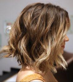 chanel de bico pra cabelos ondulados :)