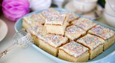 Cake Bars, Fika, Mini Cakes, Biscuits, Sweet Tooth, Goodies, Food And Drink, Tasty, Sweets