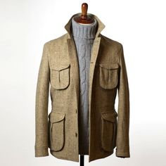 """nomanwalksalone: """" Eidos field jacket in Molloy & Sons donegal tweed Scott & Charters cashmere sweater """" One of my favorite pieces in the collection. We did a single size run for NMWA. Gentleman Mode, Gentleman Style, Norfolk Jacket, Style Masculin, Mens Fashion Wear, Hunting Jackets, Safari Jacket, Global Style, Harris Tweed"""