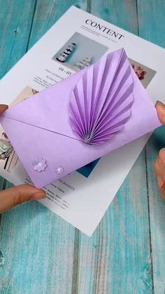 Diy Crafts Hacks, Diy Crafts For Gifts, Diy Home Crafts, Diy Arts And Crafts, Creative Crafts, Diys, Diy Projects, Paper Flowers Craft, Paper Crafts Origami