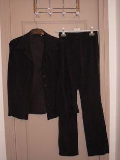 Je viens de mettre en vente cet article  : Tailleur pantalon La City 30,00 € http://www.videdressing.com/tailleurs-pantalon/la-city/p-6187339.html?utm_source=pinterest&utm_medium=pinterest_share&utm_campaign=FR_Femme_V%C3%AAtements_Tailleurs_6187339_pinterest_share