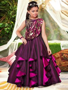 Designer Gowns for Girls. Buy online children's gowns dresses & frocks at best price for 1 to 16 years girls. Shop girls designer gowns for Wedding, Birthday, Party & Festival wear. Kids Gown Design, Kids Frocks Design, Baby Frocks Designs, Frock Design, Frocks For Girls, Gowns For Girls, Dresses Kids Girl, Latest Gown Design, Kids Party Wear Dresses
