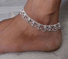 Silver Anklet,Indian Anklet,Ankle bracelet,Anklet,gypsy foot jewelry,belly dance indian jewelry,bells chain anklet,ethnic indian anklet #Indian #Jewellery