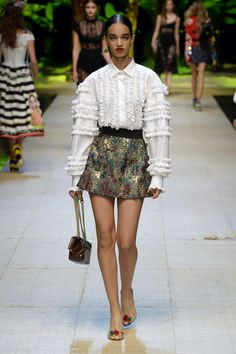 Dolce & Gabbana | Ready-to-Wear Spring 2017 | Look 9