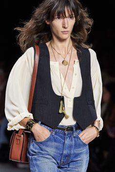 Celine Spring 2020 Ready-to-Wear Fashion Show - Vogue 2020 Fashion Trends, Fashion Mode, 70s Fashion, Fashion Week, Fashion 2020, Spring Fashion, Fashion Show, Womens Fashion, Celine