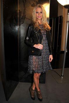 Poppy Delevigne Photo - Chanel - Arrivals - Paris Fashion Week Haute Couture S/S 2011